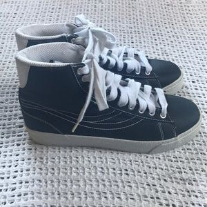 Champion Women's Size 7.5 High Top Black Sneakers